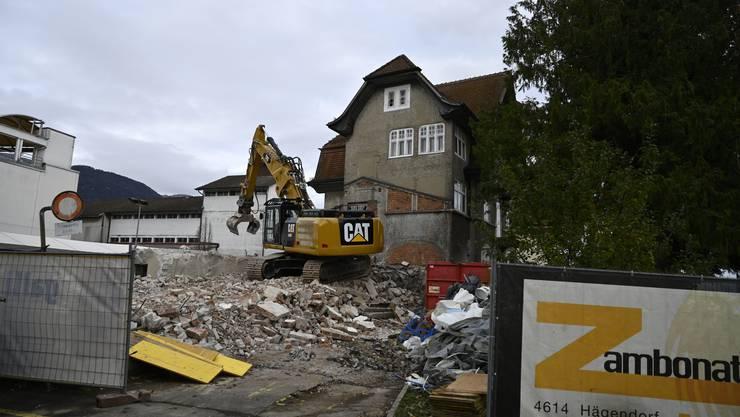 Abriss der Gebäude südlich der Migros.