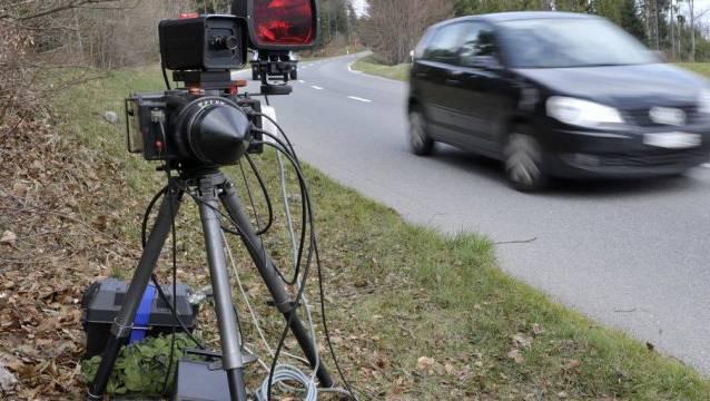 Der Lenker hat die erlaubte Geschwindigkeit deutlich überschritten. (Symbolbild)