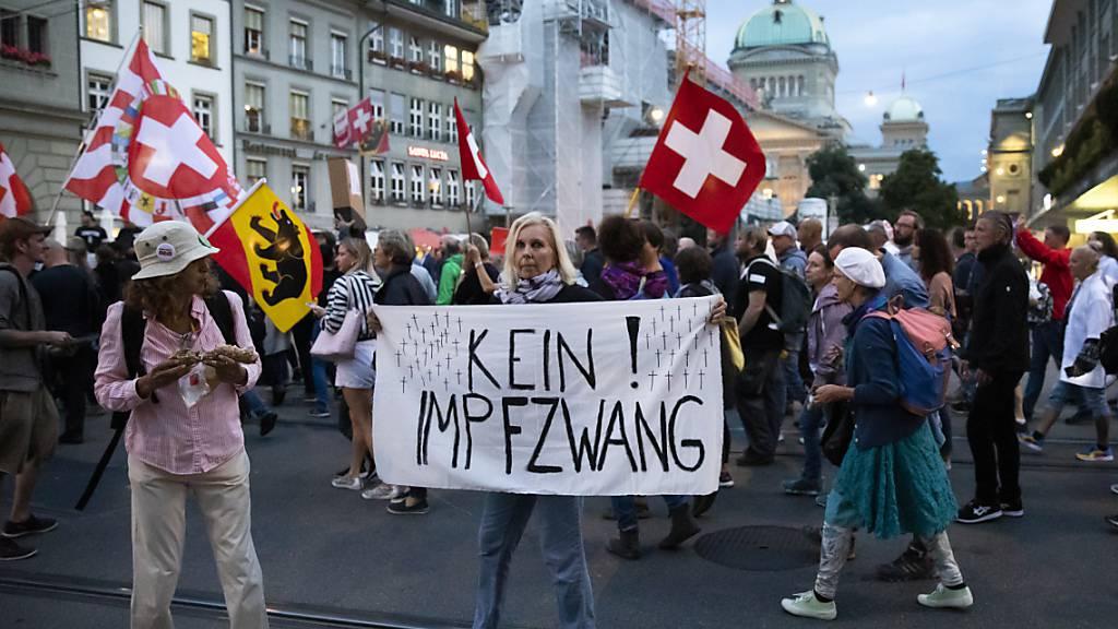Erneuter Protest gegen Corona-Schutzmassnahmen in Bern