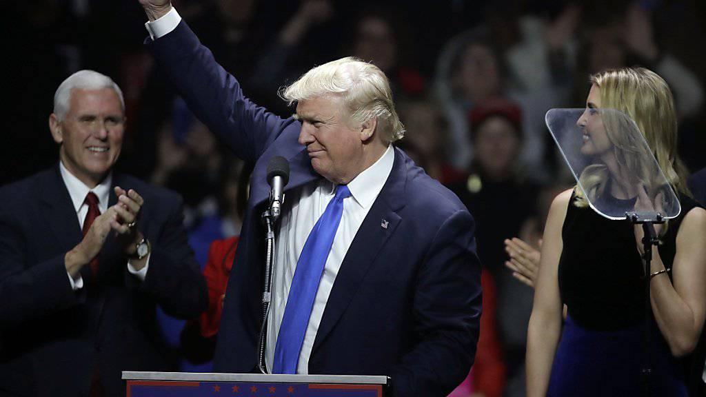 Der Republikaner Donald Trump bereiste zum Abschluss des Wahlkampfs fünf Bundesstaaten, in denen das Rennen um die US-Präsidentschaft entschieden werden könnte.