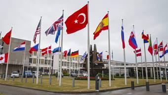 In Brüssel trafen sich auf Antrag der Türkei die Botschafter der 28 Nato-Länder zu einer Krisensitzung.