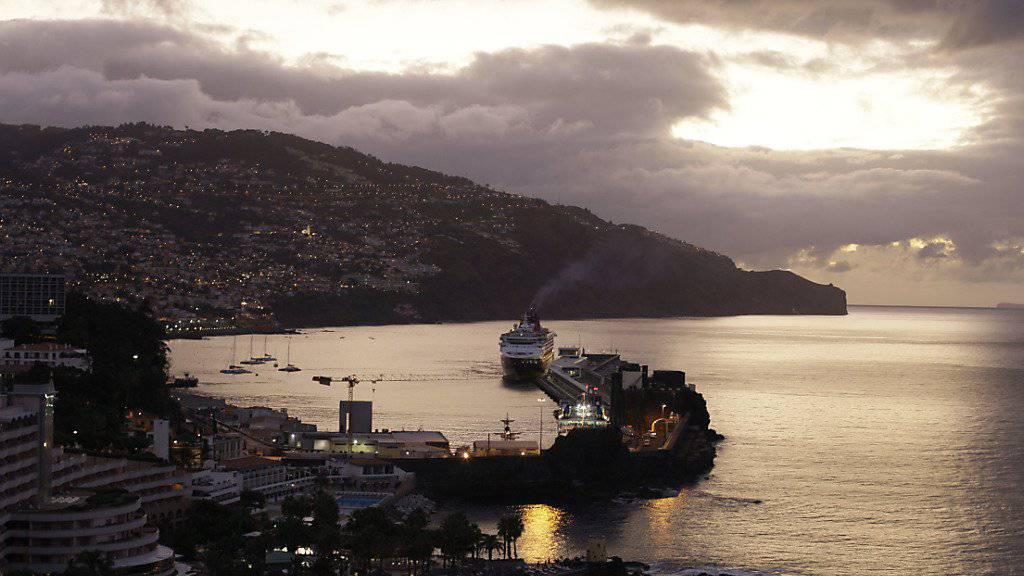 Aufgrund von heftigen Winden fallen auf der portugiesischen Ferieninsel Madeira zahlreiche Flüge aus. (Archivbild)
