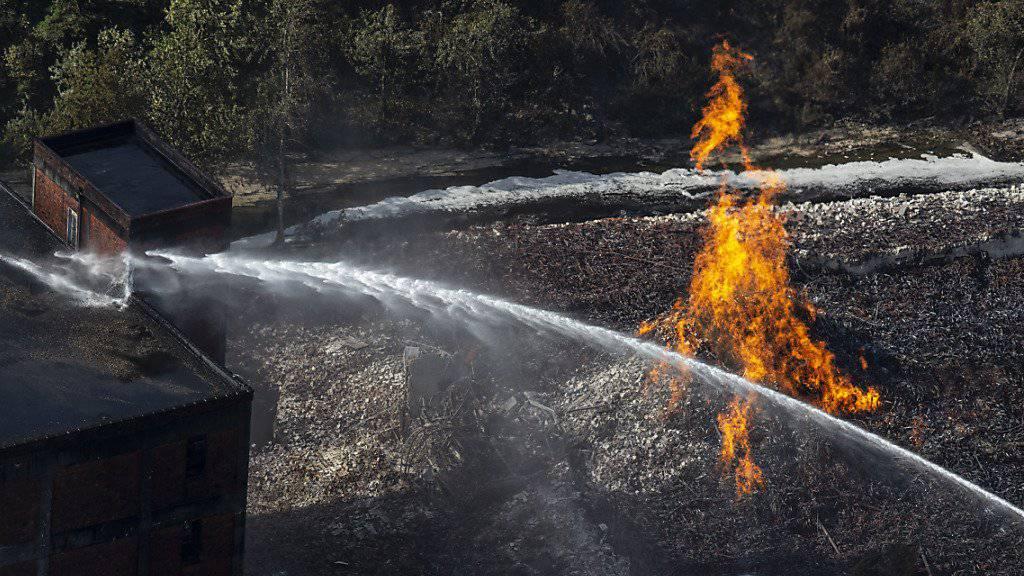 45'000 Fässer Whiskey sind im US-Bundesstaat Kentucky den Flammen zum Opfer gefallen.