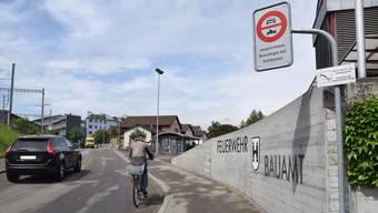 Seit 2016 wird die Einhaltung des Fahrverbots am Stahlraiin in Brugg erfolgreich mit einer mobilen Videokamera überwacht.