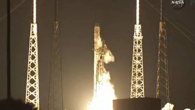 "Erfolgreich in Cape Canaveral abgehoben: Raumtransporter ""Dragon"""