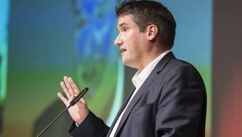 Unterstützung für die 99%-Initiative: SP-Präsident Christian Levrat vor den Delegierten in Olten