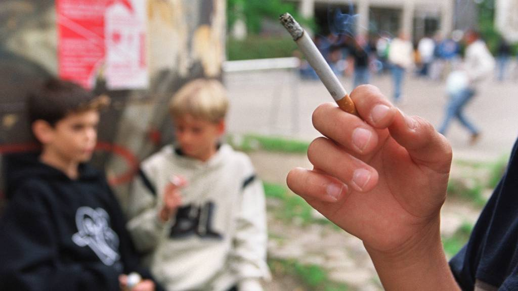 In den USA können Jugendliche künftig erst ab 21 Jahren Tabak und E-Zigaretten kaufen. (Symbolbild)