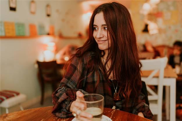 Die Badener Sängerin Linah Rocio (eigentlich Carolina Stiles) hat den Sprungins Ausland geschafft. Sandra Ardizzone