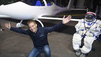 Der Westschweizer Abenteurer Raphaël Domjan will mit seinem Solarflugzeug auf bis zu 25'000 Meter Höhe fliegen.
