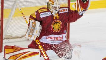 Der Langnauer Goalie Ivars Punnenovs hatte im Match gegen Genf-Servette einiges zu tun