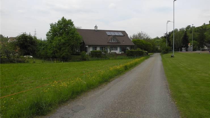 An der Schulstrasse in Oberhof sind Erschliessungsarbeiten geplant. mf