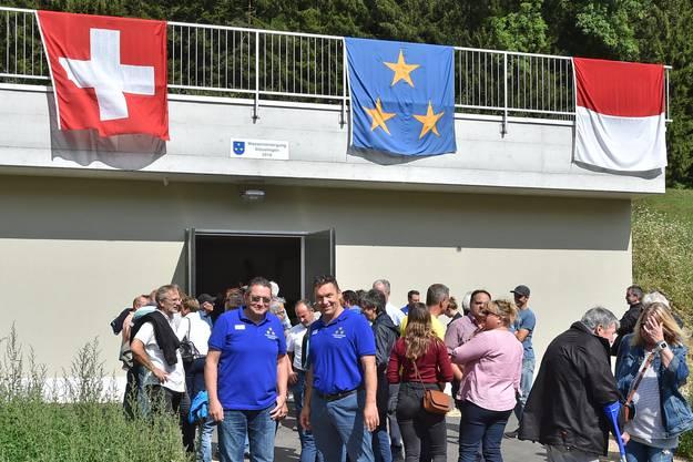 «Es haben sich 140 Leute angemeldet», sagt Vize-Gemeindepräsident Dominik Frauchiger bei der Begrüssung.