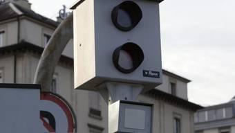 Eine Radarfalle der Genfer Polizei (Symbolbild)