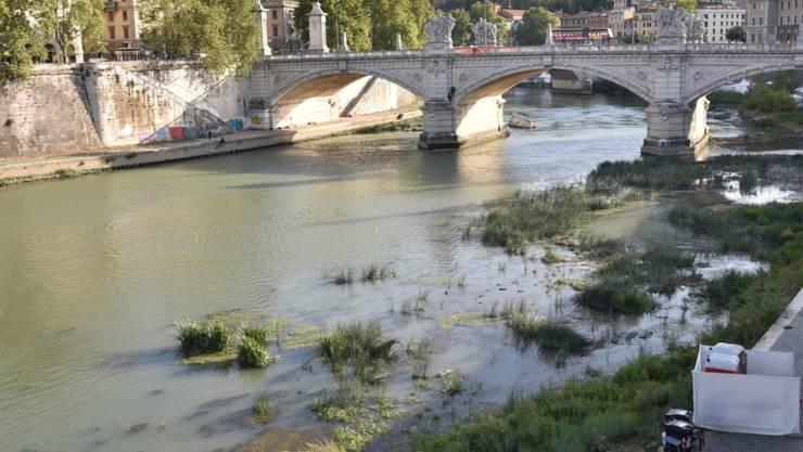 Der Tiber in Rom führt wenig Wasser: 2017 war das trockenste Jahr in Italien in den letzten zwei Jahrhunderten. (Archiv)