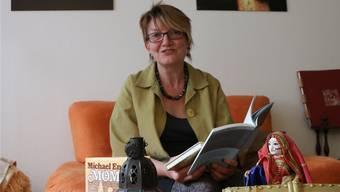Geschichtenerzählen ist die Passion der Steinerin Christine Mafli. Dennis Kalt