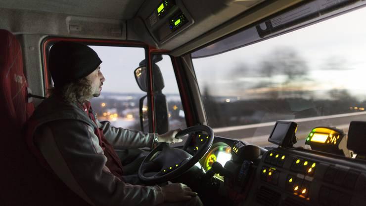 Wegen Stau zu spät zum Znacht: Weil der Verkehr immer mehr stockt, gilt Berufsfahrer immer weniger als attraktiver Job.