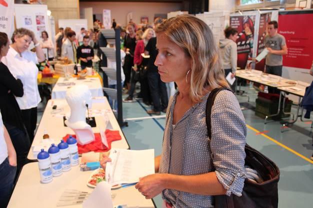 Regina Estermann an der Lehrstellenbörse