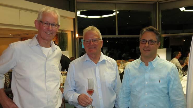 Kellermeister Dominic Mathies, Vizepräsident & Organisator Bruno Schmid und Präsident Markus Küng (von rechts nach links) sind bereit für den Abend.