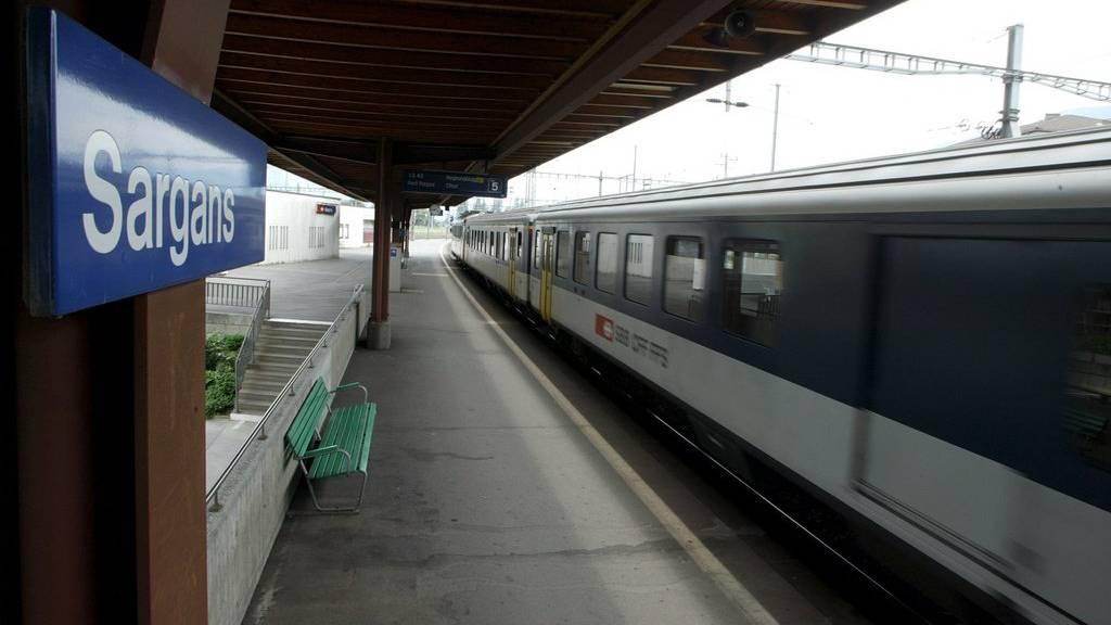 Der Bahnverkehr zwischen Buchs SG und Sevelen auf der Linie Sargans - St. Margrethen ist unterbrochen.