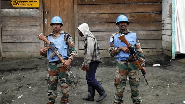 Zwei Blauhelmsoldaten stehen in der kongolesischen Stadt Goma Wache (Archiv)