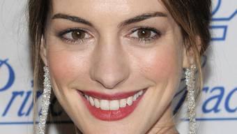 Verliebt, verlobt und wohl bald auch verheiratet: Schauspielerin Anne Hathaway (Archiv)