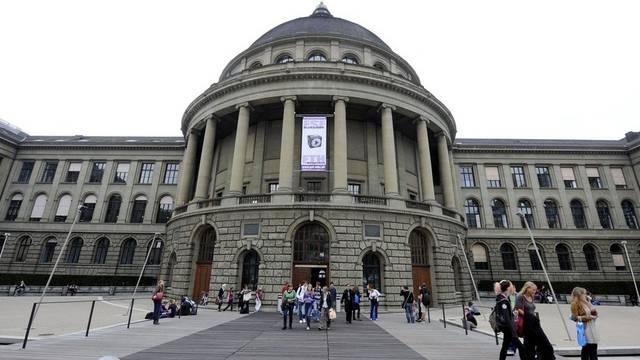 Die ETH Zürich steht im internationalen Vergleich unter Hochschulen gut da (Archiv)