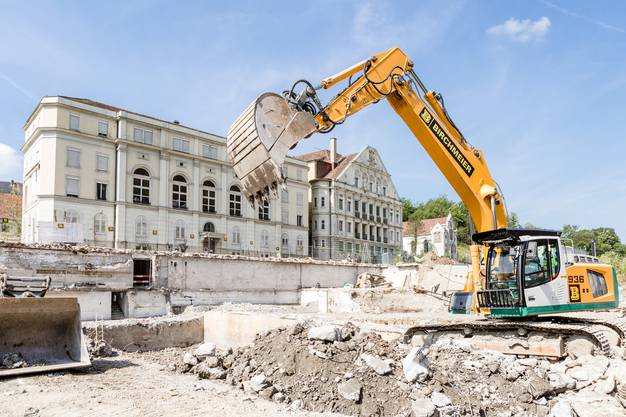 Die Kantonsarchäologie macht bei der Bäder-Baustelle und beim Kurtheater Grabungen. Dabei sind unter anderem über 2000 Jahre alte Holzplanken. Besuch am 04. Juni 2018.