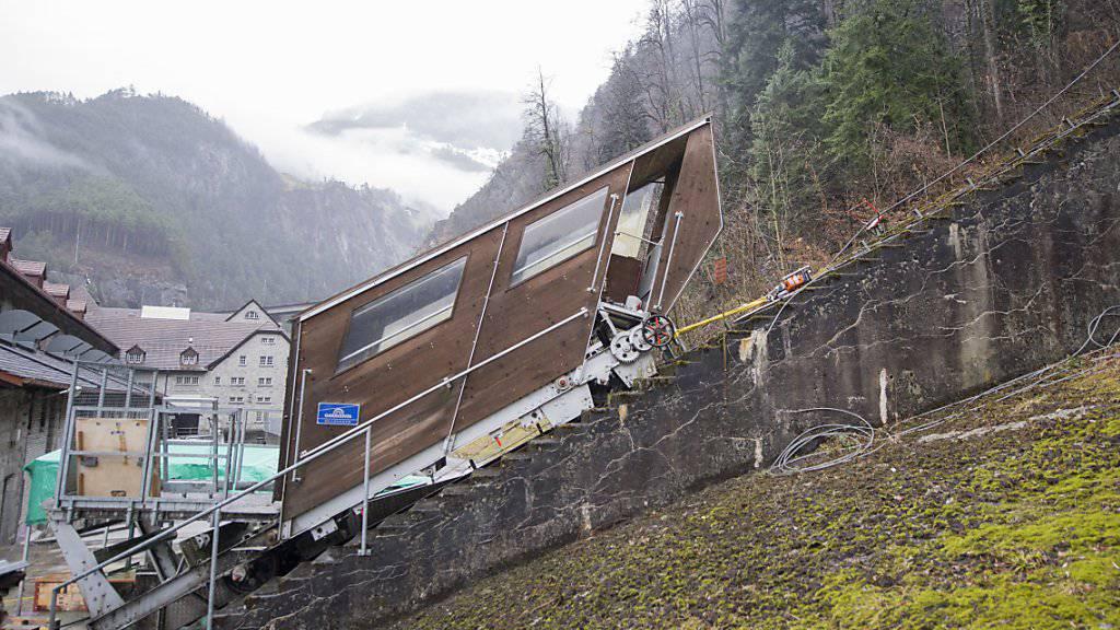 Die Standseilbahn des Kraftwerks Amsteg soll wieder als Notverbindung ins 450-Seelen-Dorf Bristen dienen.