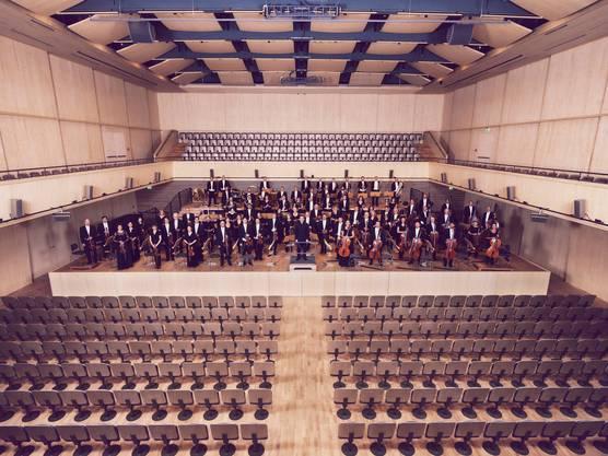 Rund 100 Berufsmusiker gehören dem 150-jährigen Zürcher Orchester an. (Paulo Dutto)