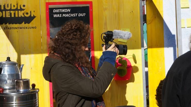 Stadtentwicklungsdialog: Mit Kameras wurde der Austausch zwischen Bevölkerung und Amtsträgern festgehalten.