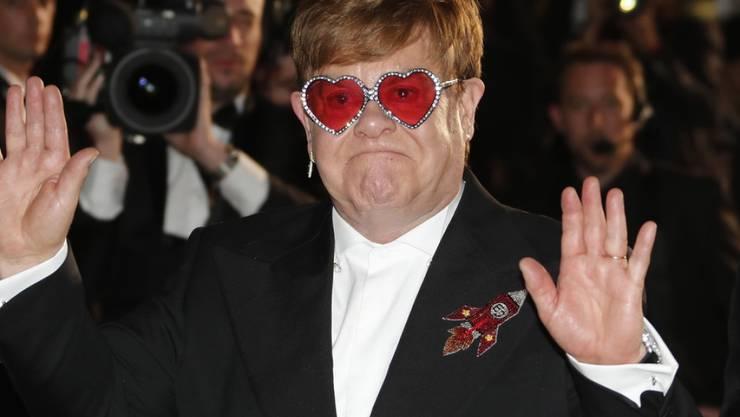 Erhält die höchste Auszeichnung Frankreichs, die französische Ehrenlegion: Der britische Popstar Elton John. (Archivbild)