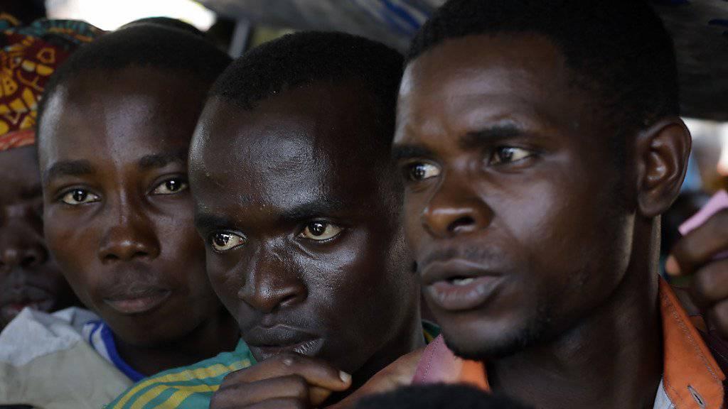 Fast 45'000 Burundier haben seit der Krise 2015 in ihrer Heimat im Kongo Zuflucht gefunden. Weil sie der Kongo nun zurückschicken will, kam es zu Zusammenstössen mit der Armee. Über 30 Menschen starben. (Archivbild)