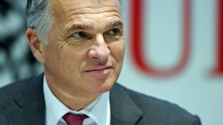 UBS-Chef Sergio Ermotti hat auch im letzten Jahr unter den Chefs der SMI-Konzerne den höchsten ausgewiesenen Lohn bezogen. (Archiv)