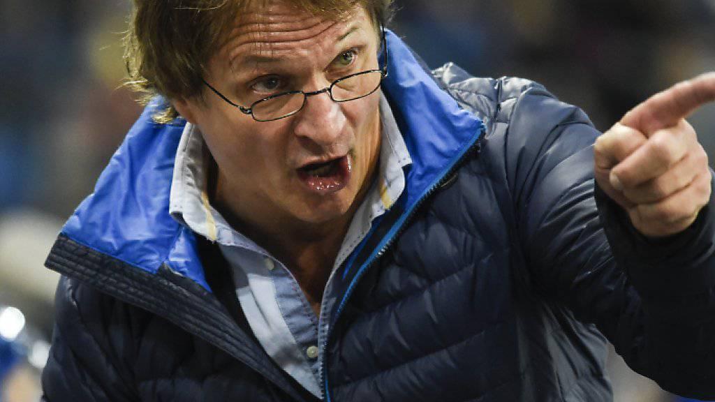 Trainer Arno Del Curto blamiert sich mit seinem Team in Dübendorf