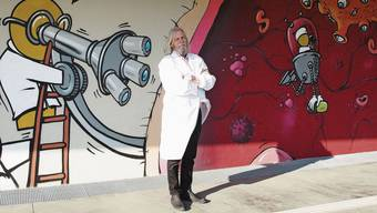 Der Virologe Didier Raoult gilt in Paris als Grossmaul, in seiner Heimatstadt Marseille ist er hingegen ein Star im Doktorkittel.