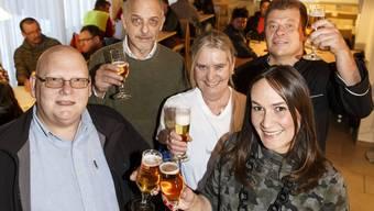 Urs Rutschmann, Richard Schwaller, Daniela Wyss (Service), Silvia Bonafe (Wirtin), Urs Hostettler (Koch)
