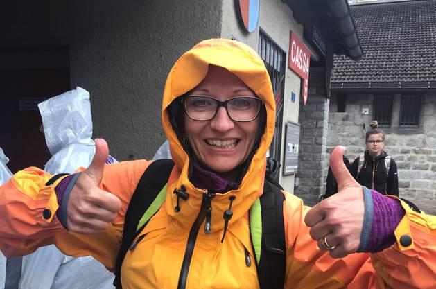 Anita ist trotz Regen gut gelaunt.