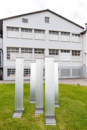 """Eine Skulptur des Duo federstahl (Daniel Meili und Bruno Lötscher, Loetscher) namens """"zurück oder freiheit""""."""