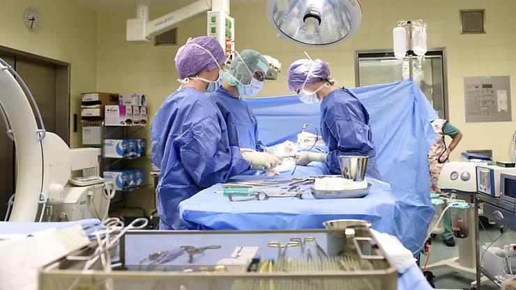 50'000 Menschen erkranken jedes Jahr wegen Spitalinfektionen. (Symbolbild)