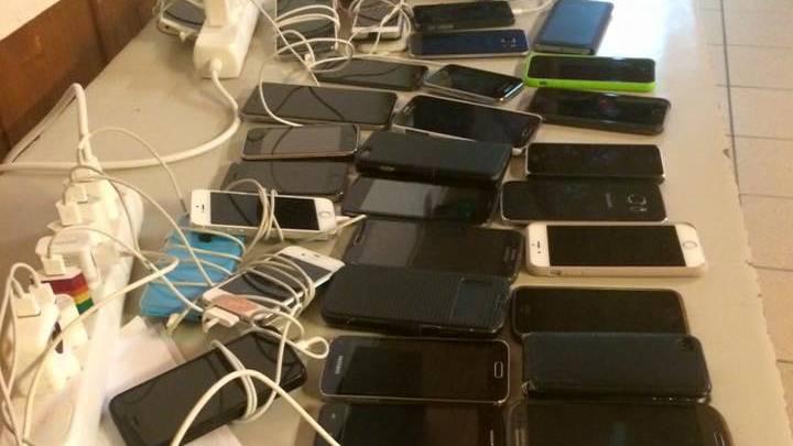 Wer sein Handy zu oft am Tag benutzt, hat ein Problem.
