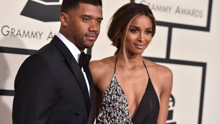Mit ihm soll es nun klappen: Sängerin Ciara mit ihrem Verlobten, Quarterback Russell Wilson (Archiv)