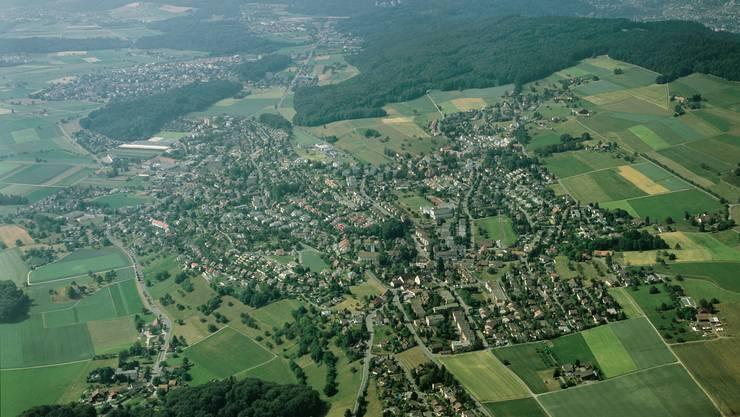 Blick auf das zusammengewachsene Oberrohrdorf (mit Staretschwil) und Niederrohrdorf .