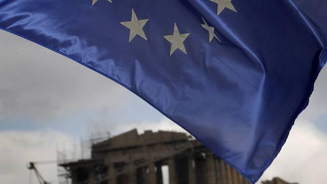Die EU-Flagge in Athen (Symbolbild)