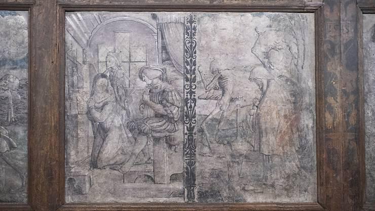 Todesbilder von 1543 im neuen Domschatzmuseum des Bistums Chur, aufgenommen am Mittwoch, 26. August 2020, in Chur. Das neue Museum wird kommendes Wochenende eröffnet. Es umfasst Teile des eigentlichen Domschatzes, sowie Todesbilder, die zum ersten Mal seit 1976 besichtigt werden können.