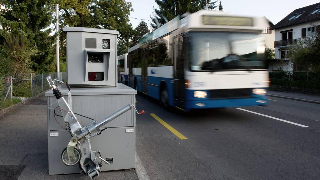 Semistationärer Radar, Blitzer, Luzerner Polizei