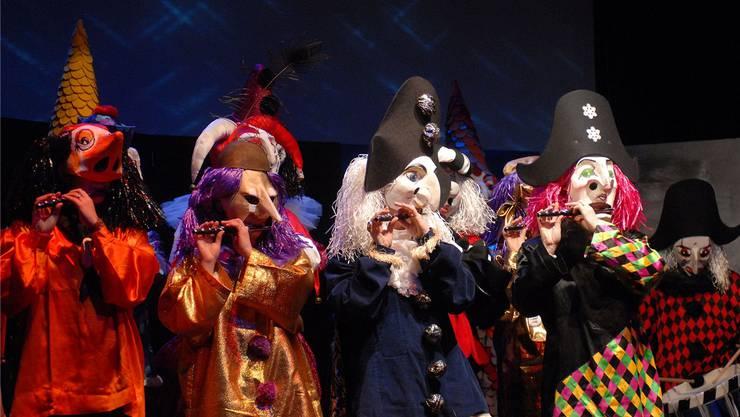 Die Pfluderi-Fäger-Clique bei ihrem «Räbeli»-Auftritt während der Vorfasnacht 2012.