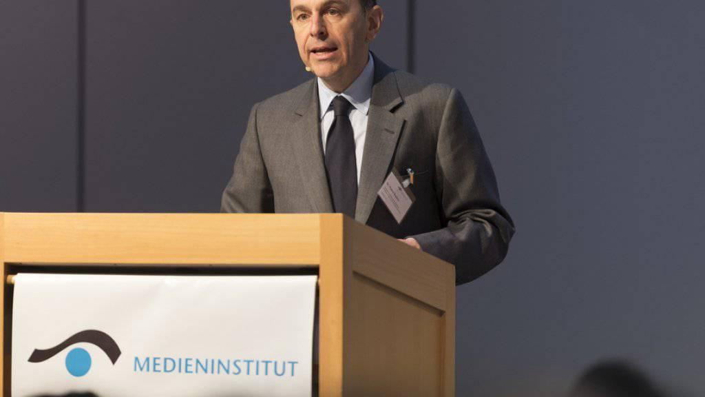 """2017 wird """"kein gemütliches Medienjahr"""": Verlegerpräsident Pietro Supino an der Dreikönigstagung des Verbands Schweizer Medien."""