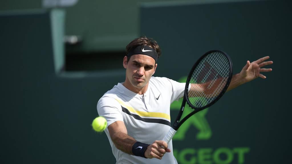 Roger Federer verliert Spiel und Nummer 1
