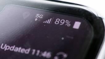 Nachdem Sunrise in der Schweiz bereits im April ein 5G-Netz in Betrieb genommen hat, können nun auch Kunden der Deutschen Telekom mit der neuen Mobilfunktechnik surfen. (Symbolbild)