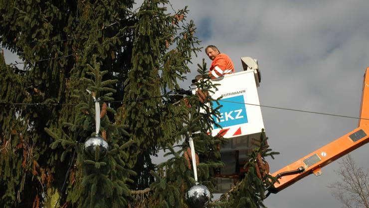 Das ist ein Skyworker: Im Einsatz hier ein EKZ-Mitarbeiter. (Symbolbild)